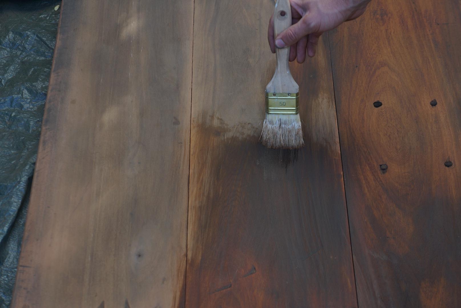Une autre id e de la convivialit for Peinture effet bois