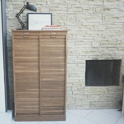 une fa on simple de rajeunir un meuble en bois vernis bouillon de peinture. Black Bedroom Furniture Sets. Home Design Ideas
